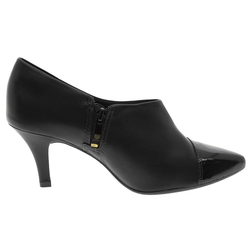 5af57fc587 Sapato Feminino Abotinado Salto Médio Preto Dakota - B8021 - cloviscalcados