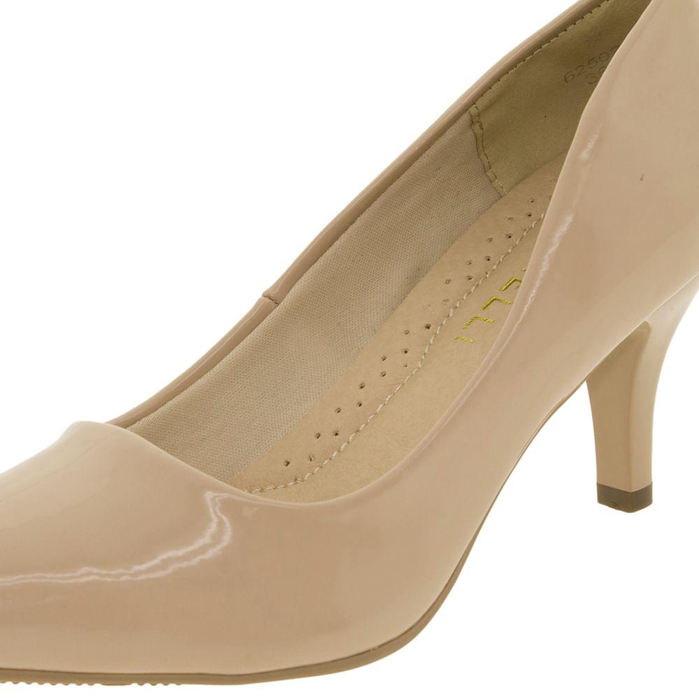 a84fbb683 Sapato Feminino Scarpin Salto Médio Areia Facinelli - 62502 - cloviscalcados