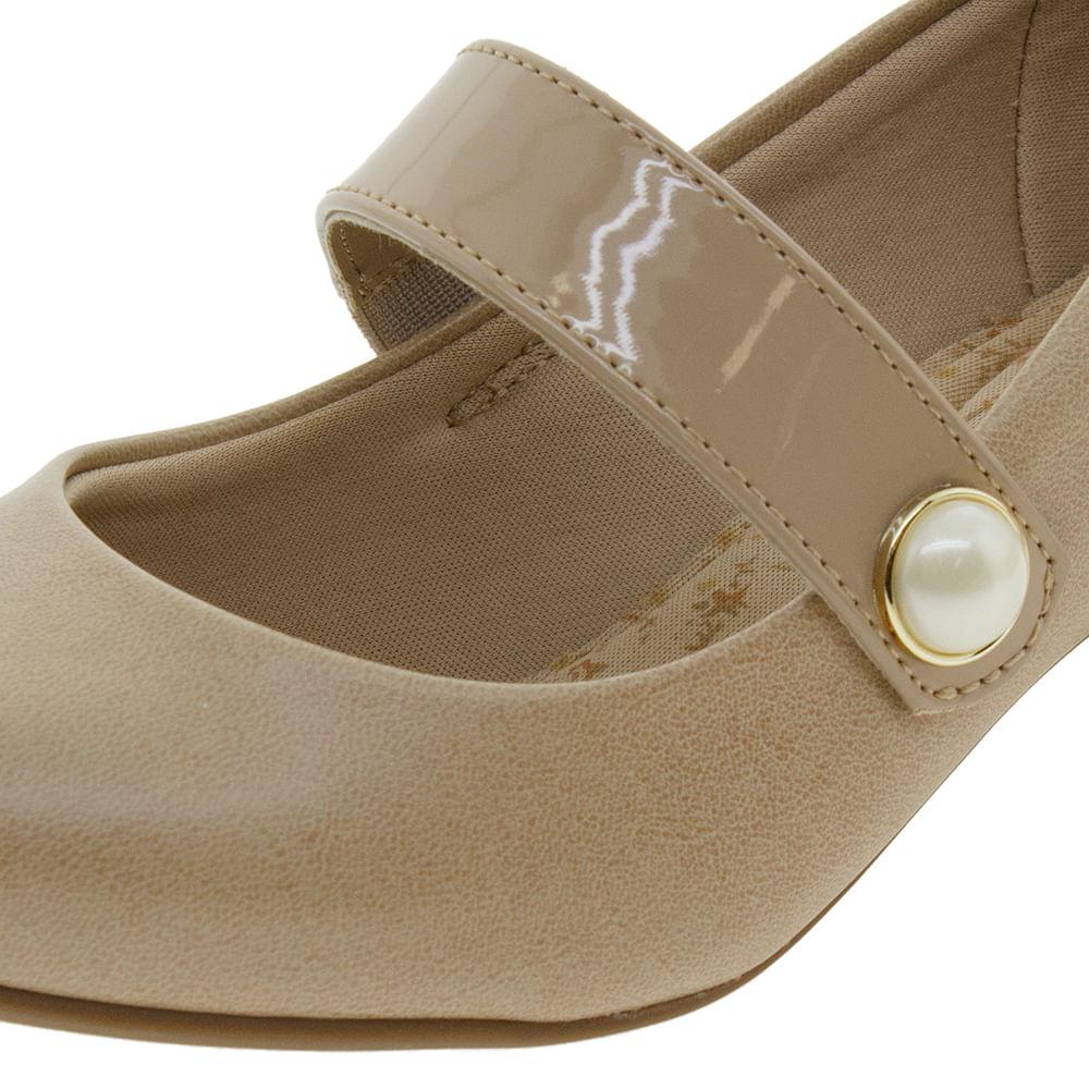 743de807e Sapato Feminino Salto Baixo Bege Modare - 7005140 - cloviscalcados
