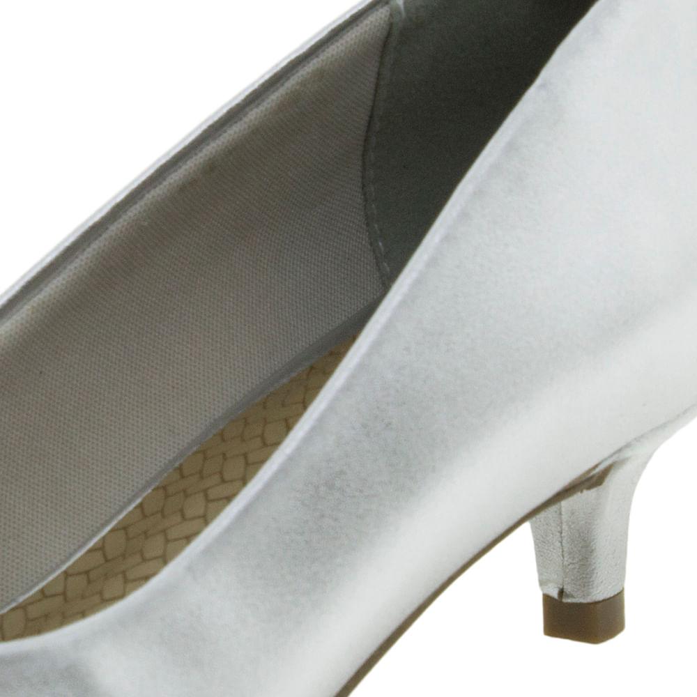 17b5b0d889 Sapato Feminino Salto Baixo Prata Via Marte - 184201 - cloviscalcados