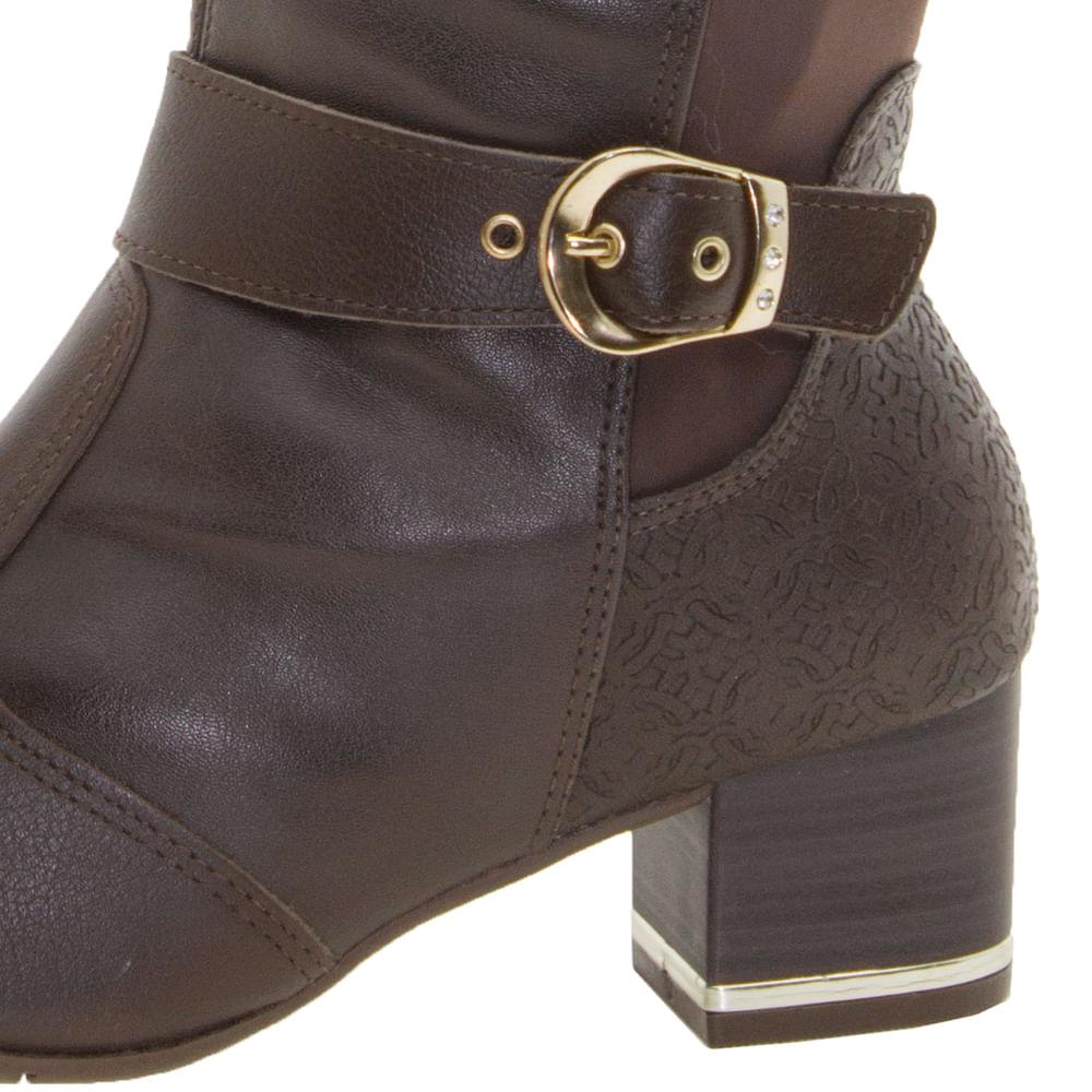 3650a50d0 Bota Feminina Cano Alto Marrom ComfortFlex - 1799304 - cloviscalcados