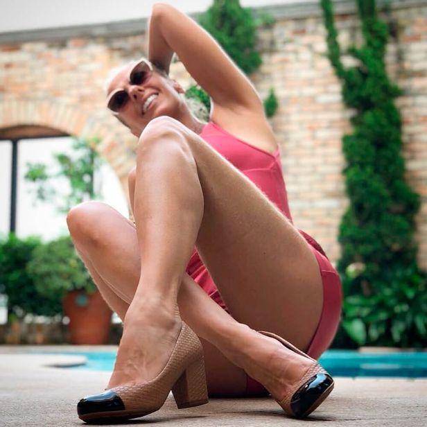 3ef59e44f Sapato Feminino Salto Médio Camel Moleca - 5300318 - cloviscalcados
