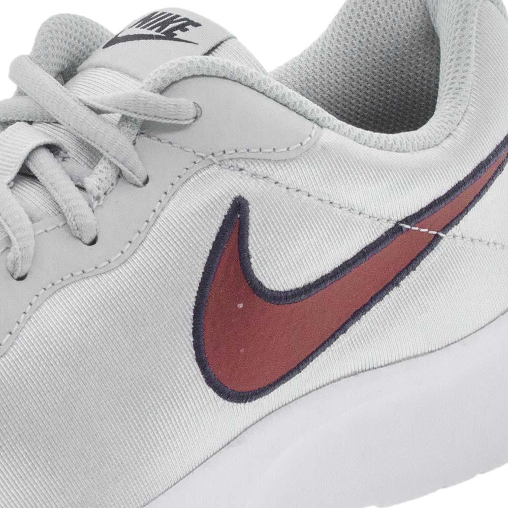 692d0a2798d Tênis Feminino Tanjun SE Prata Nike - 844908 - cloviscalcados